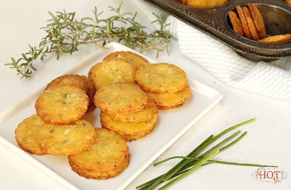 Baked Cotswold Cheese Crackers
