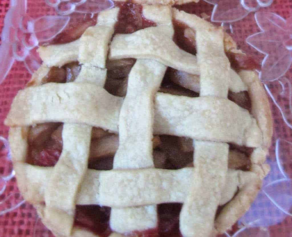 Lattice-Topped-Mini-Apple-Pie