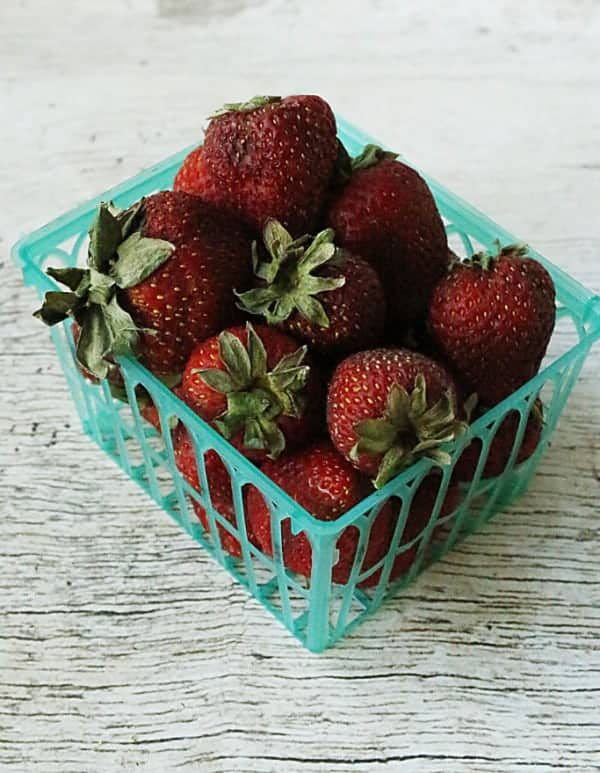 old strawberries that are not fresh
