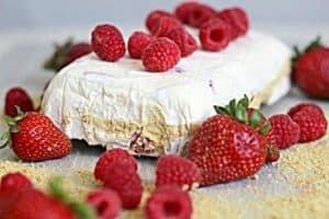 frozen strawberry and raspberry cheesecake mousse