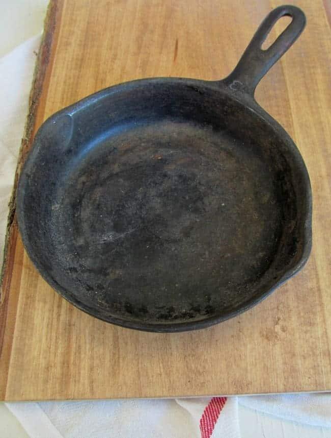 Cast iron skillet unseasoned