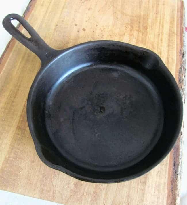cast iron skillet seasoned