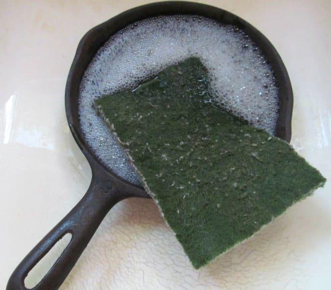 cast iron skillet washing