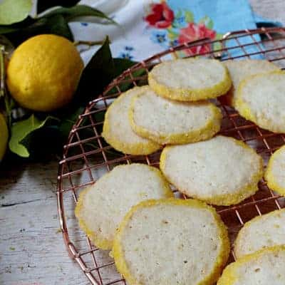 Crispy Lemon Shortbread Cookies