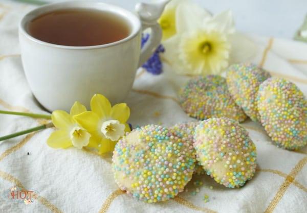 Raspberry Cookies and tea