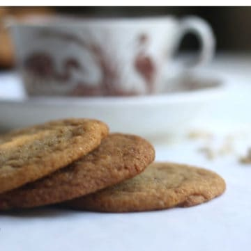 spiced ginger cookies and tea
