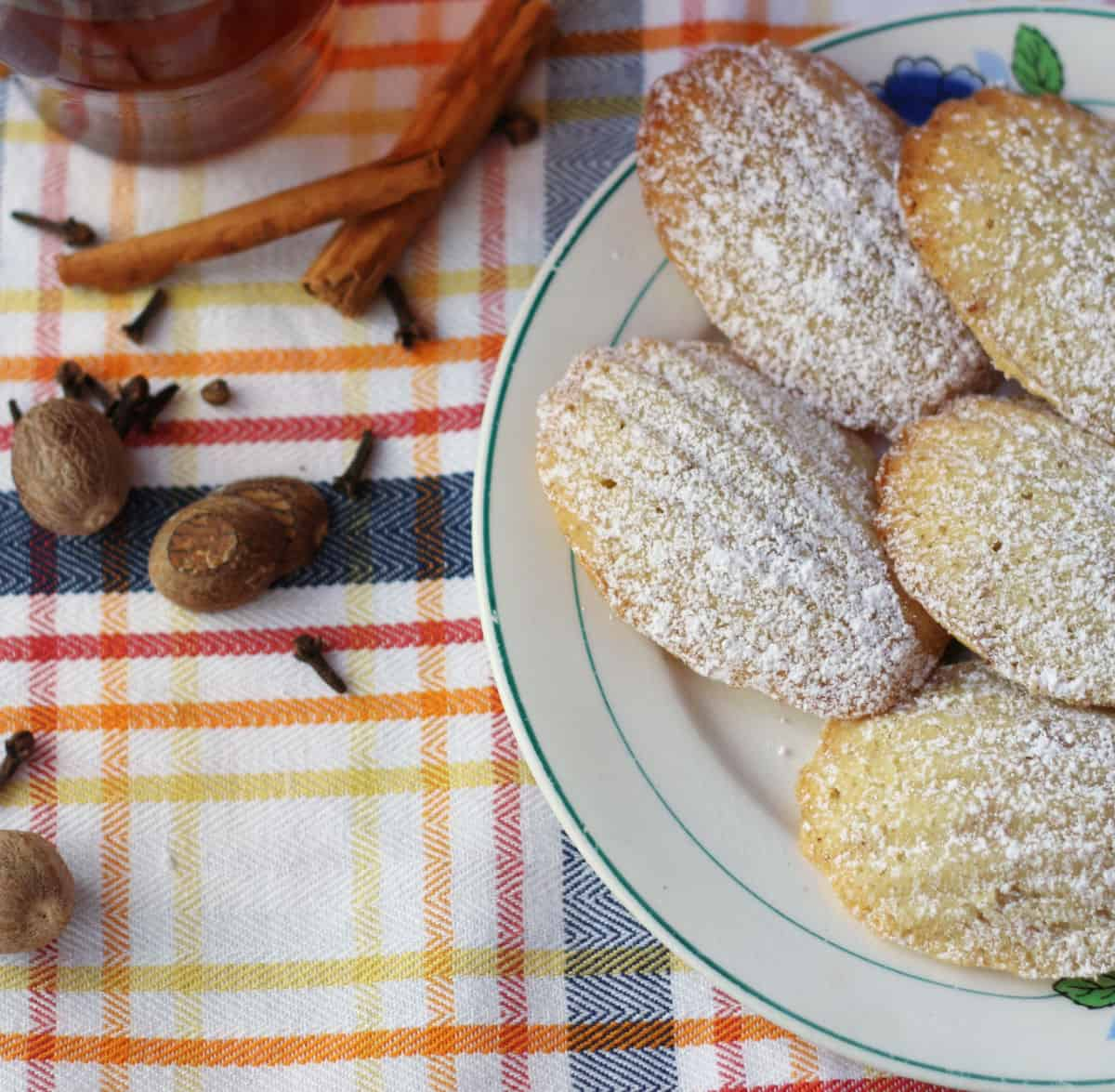 Madeleines with spices.