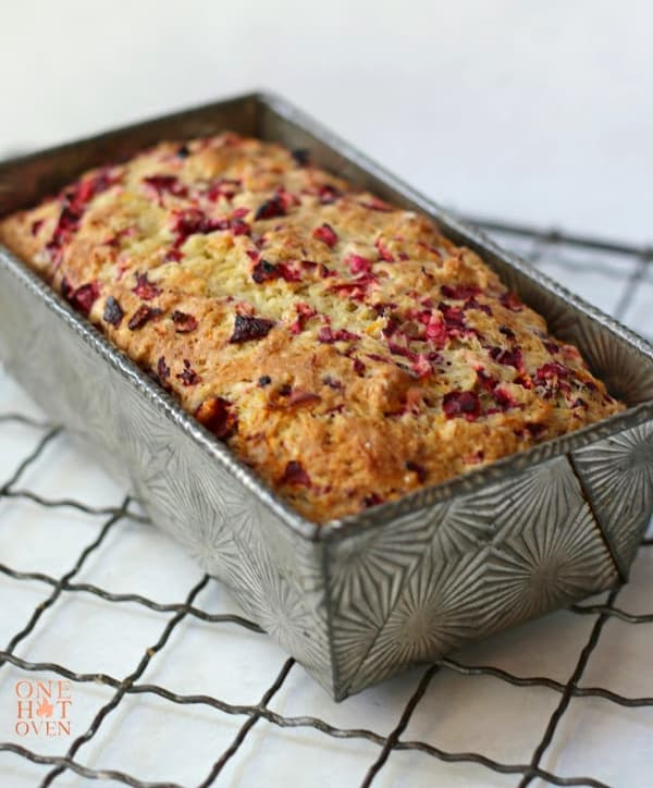 Baked cranberry orange bread