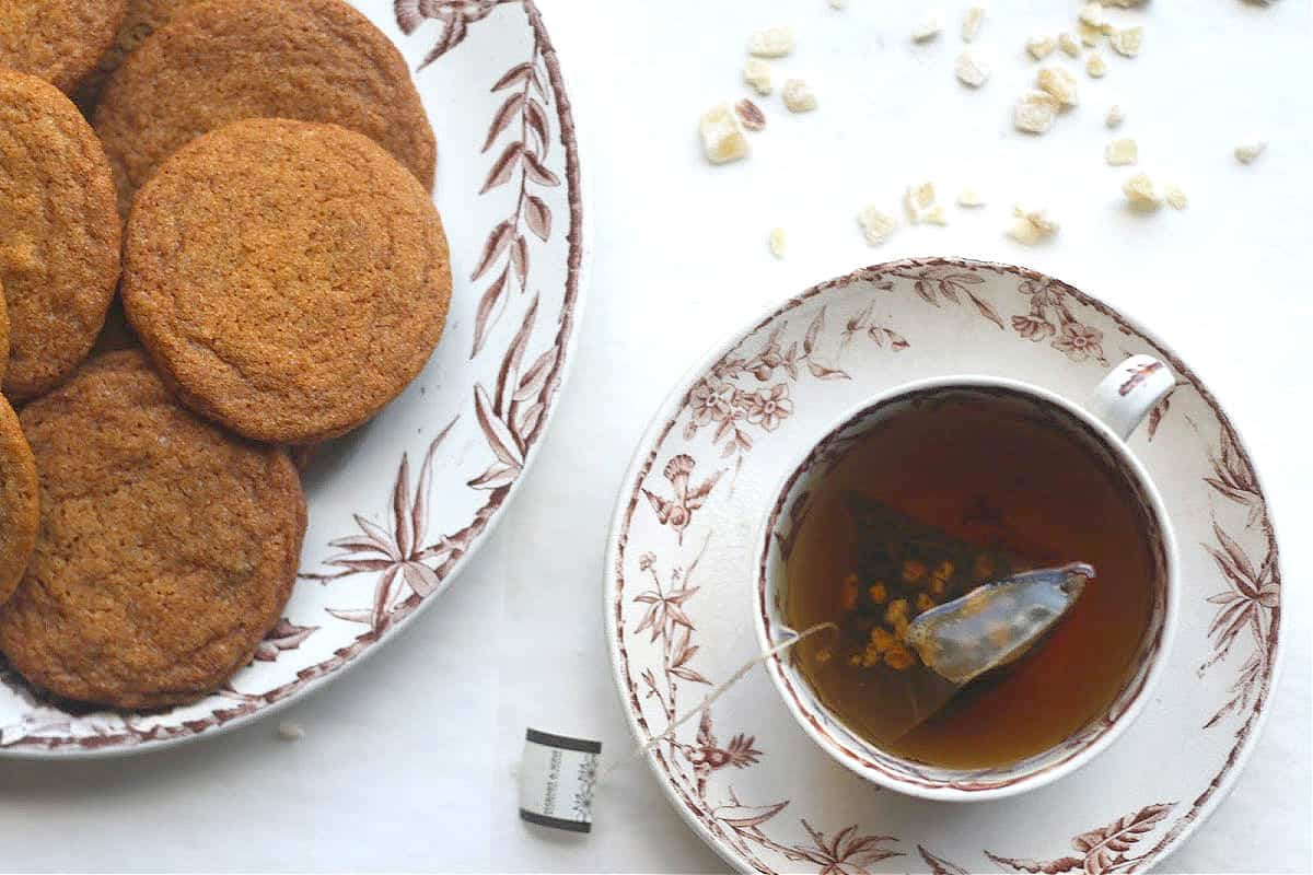 triple ginger spice cookies and tea