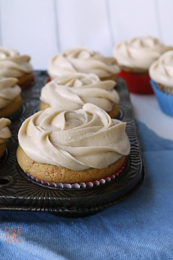 caramel frosted peanut butter cupcakes