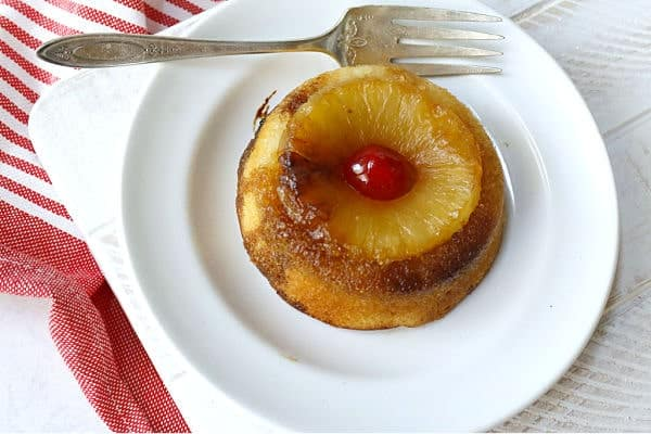 plated pineapple cake
