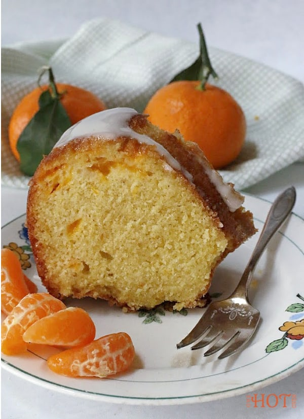 Mandarin orange bundt cake slice