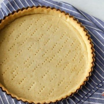 a baked shortcrust pie shell