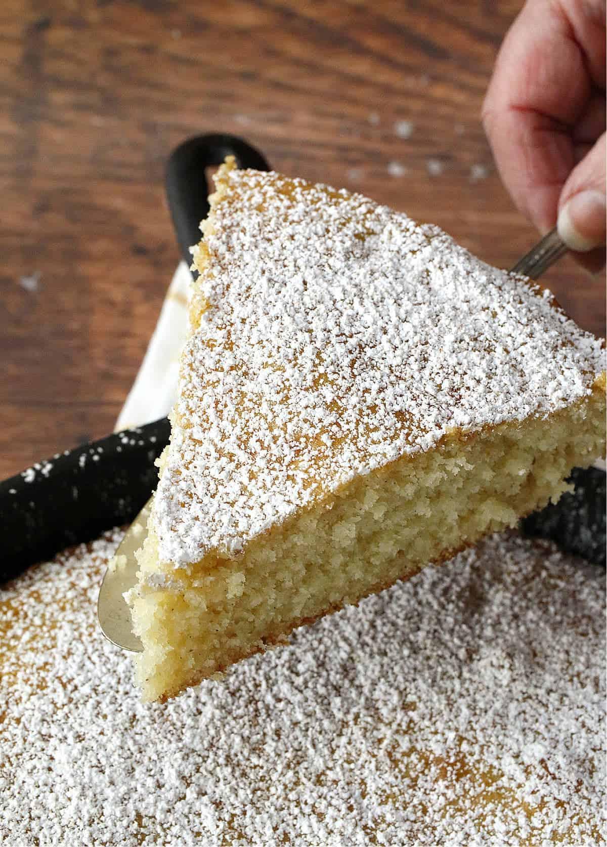 sliced vanilla cake