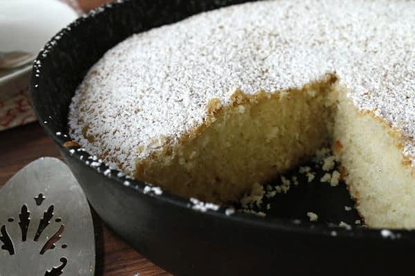 vanilla skillet cake