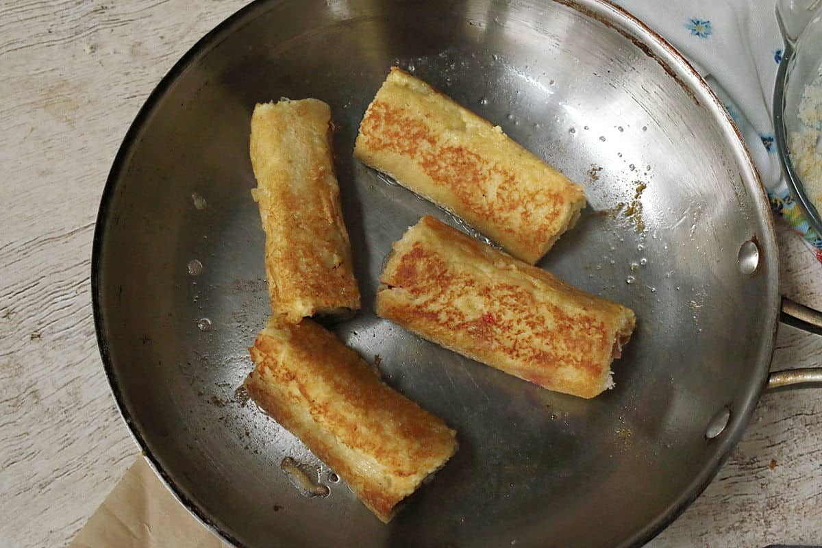 frying French toast rolls