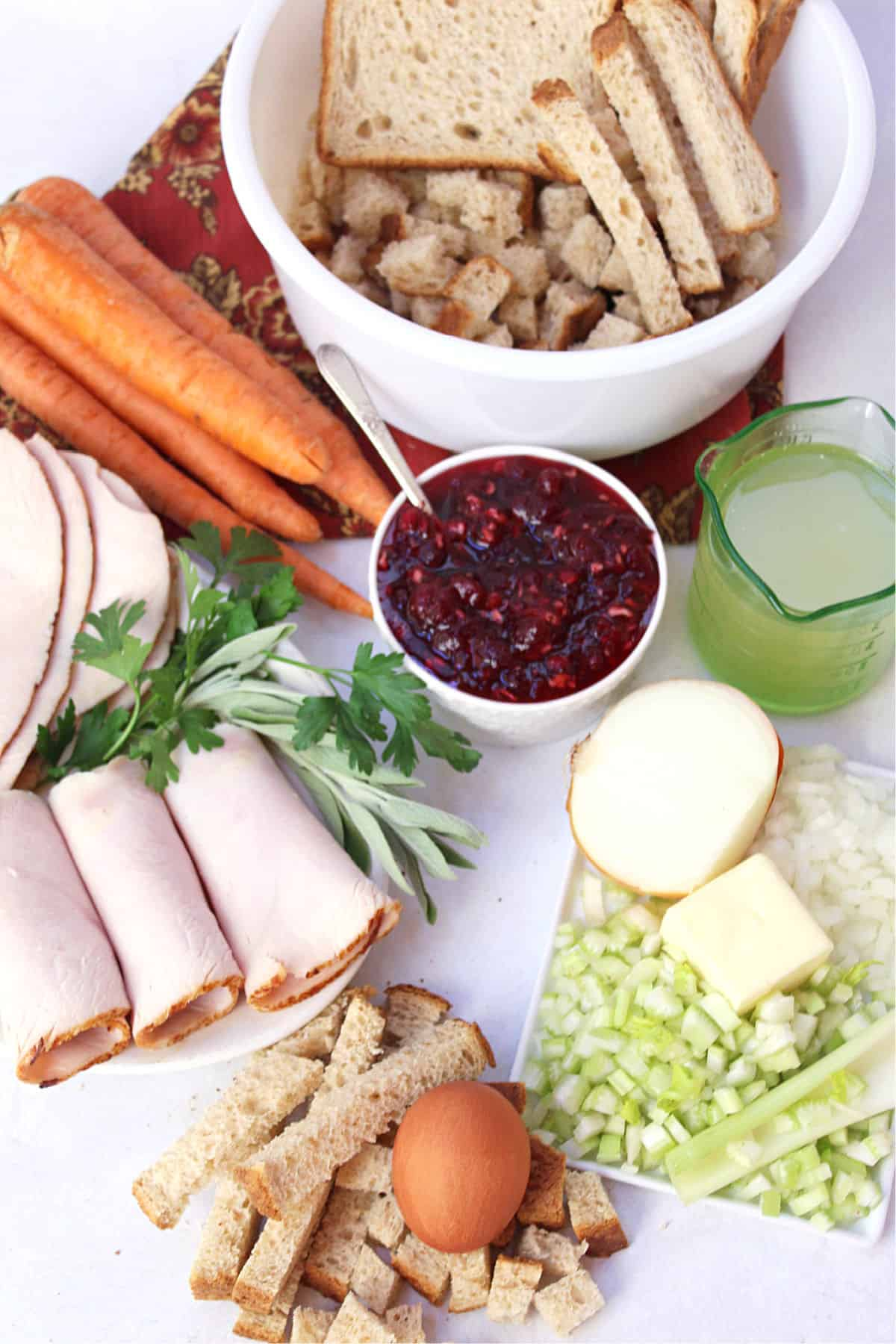 ingredients to make turkey roll-ups
